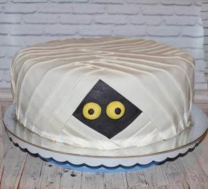 Торт мумія на хелловін