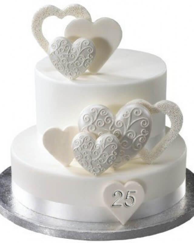 Торт на срібне весілля із серцями