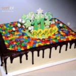 Торт із солодощами на день народження хлопчика