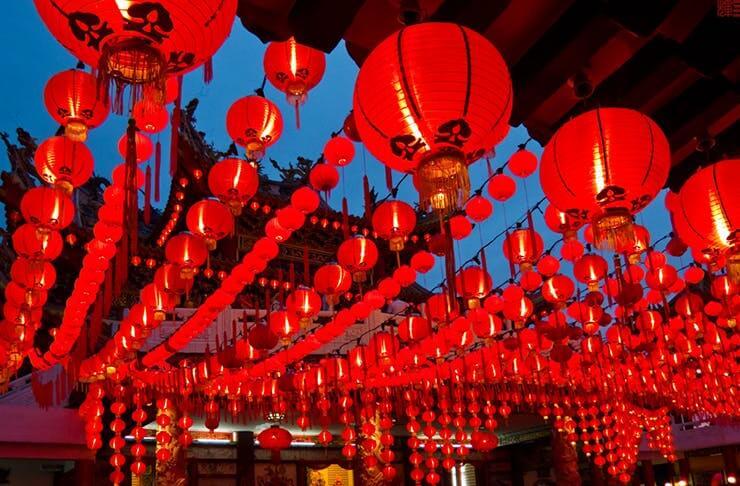 Червоні декоративні кулі в Китаї