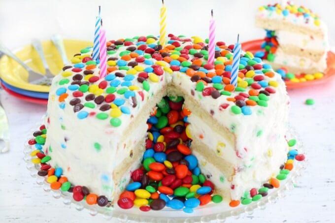 Ванільний торт піньята