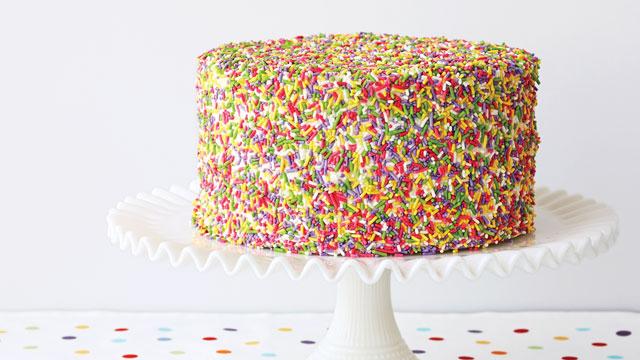 Торт з красивою посипкою