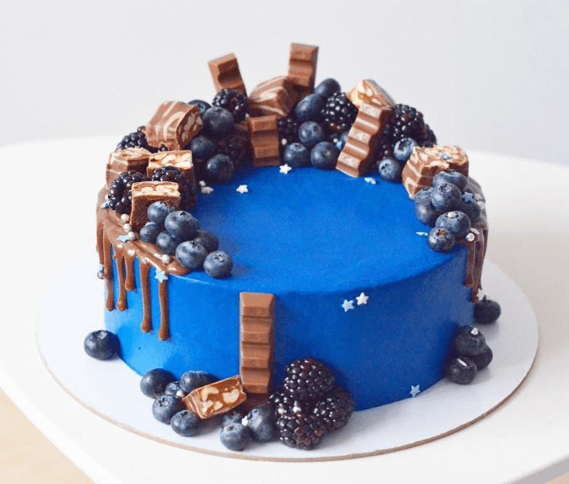Синій велюровий торт без мастики