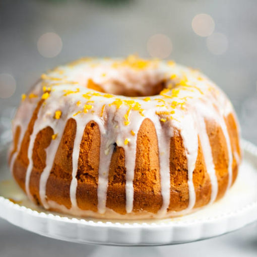 Круглий апельсиновий різдяний кекс