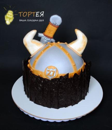 Чоловічий торт для вікінга