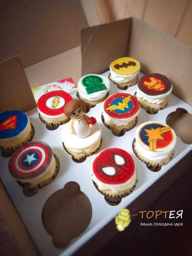 Капкейки з супергероями