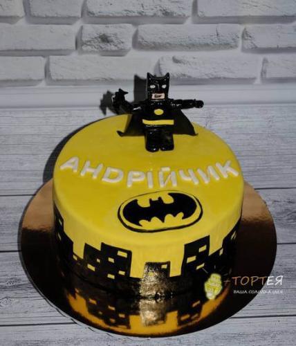 Дитячий торт з бетменом на день народження Андрійчика