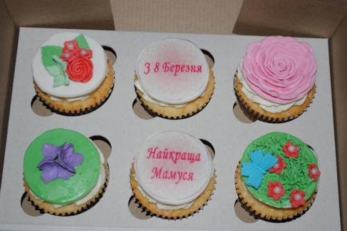 Капкейки на 8 березня для мами