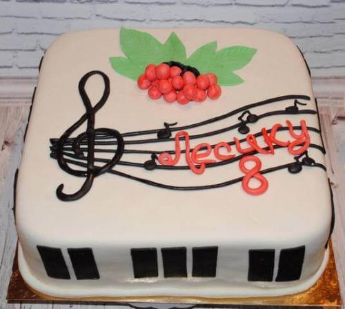 Музичний торт для Лесика