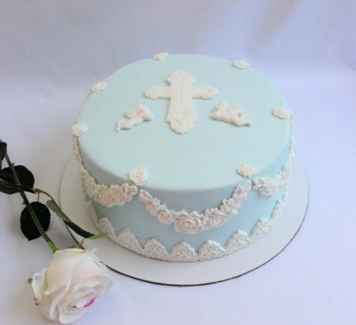 Невеликий торт на хрестини