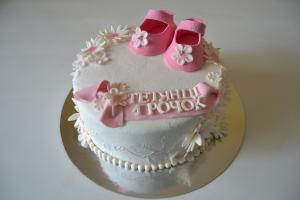 Торт на рочок дівчинці