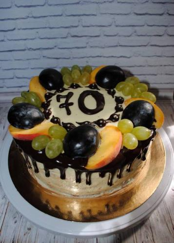 Безмастичний торт з фруктами