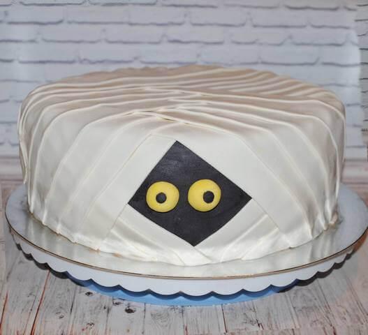 Святковий торт на хелловін